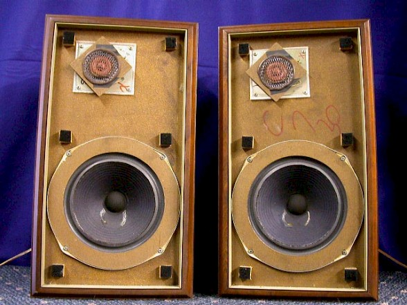 golden age bookshelf speakers the cream of the crop. Black Bedroom Furniture Sets. Home Design Ideas